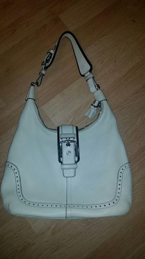 Authentic Coach woman's handbag for Sale in Lansing, IL