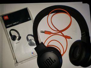 Like new, fully wireless JBL Live400 Wireless Bluetooth On-ear headphones for Sale in Garden Grove, CA
