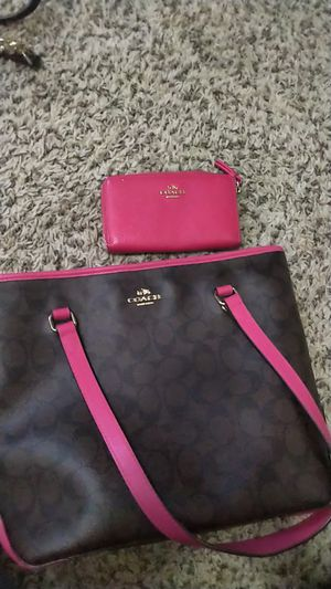 Pink Coach bag with small wallet to match for Sale in Nashville, TN