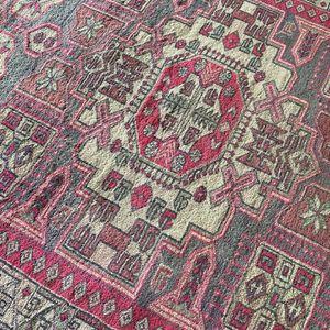 Beautiful Vintage Persian Rug for Sale in Tualatin, OR