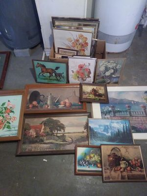 Pantings, pictures, frames. for Sale in Cleveland, OH