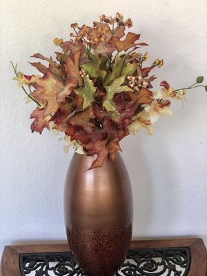 Beautiful Vase Copper Tone With Flowers for Sale in Chula Vista, CA