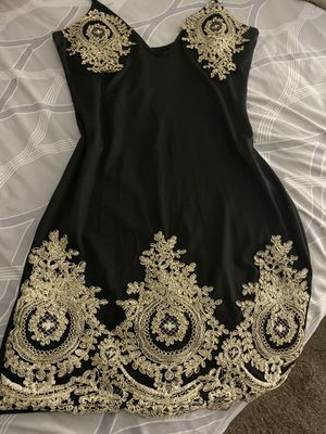 Dress new size mediano stretch for Sale in Perris, CA