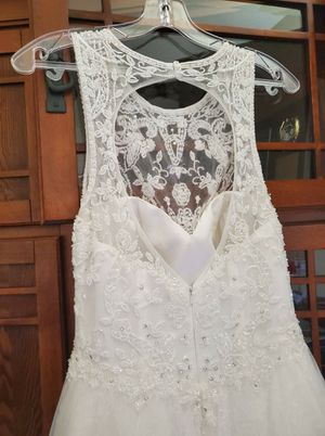 Wedding dress size 6 for Sale in Harlingen, TX