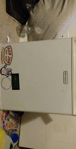 Emerson Mini fridge for Sale in East Lansing, MI