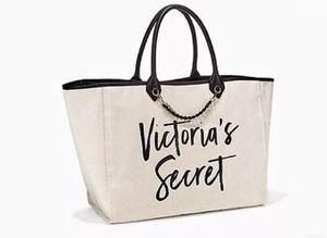 Oversized Victorias Secret 2017 Tote off-white Canvas, Gold Chain for Sale in Glendale, AZ