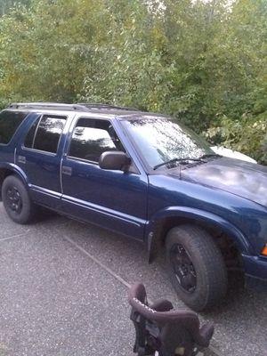02 Chevy blazer 4WD for Sale in Arlington, WA
