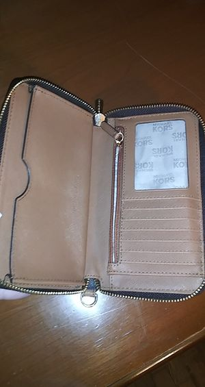 Michael Kors wallet for Sale in Fort Worth, TX