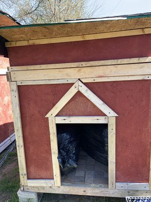 Large Doghouse for Sale in Detroit, MI