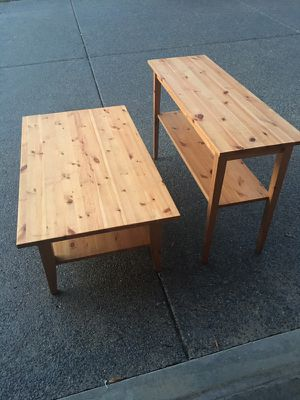 Pine console and coffee table for Sale in Goodlettsville, TN