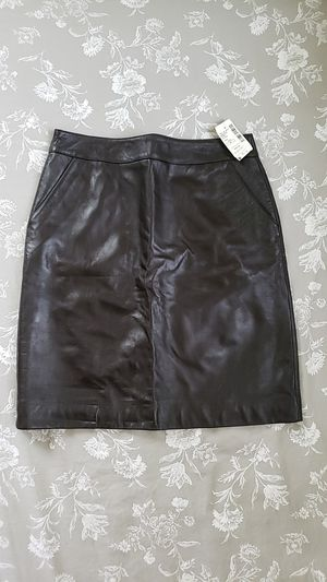 SAKS Brown Leather Skirt 6P, brand new for Sale in West Palm Beach, FL