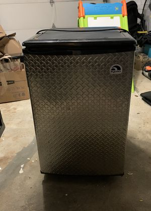Igloo Refrigerator for Sale in Wilton, CT