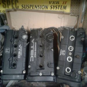 JDM 1995 HONDA PRELUDE H22A VTEC CYLINDER HEAD IN EXCELLENT WORKING CONDITION for Sale in Moreno Valley, CA