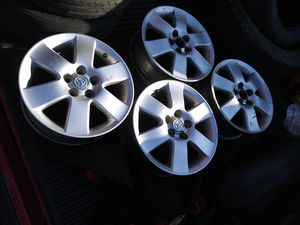 "Medida 15"" size 15"" usados used toyota corolla for Sale in Grand Prairie, TX"
