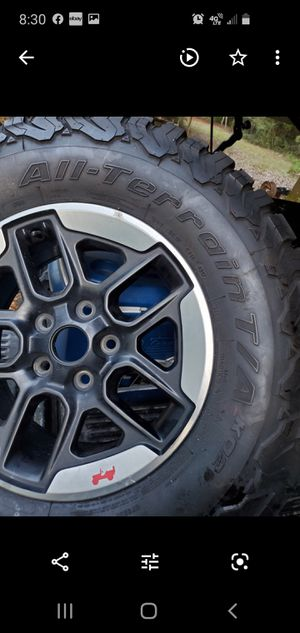 jeep Rubico 2018 New rims and tire only one for Sale in Milton, FL