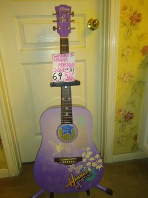 Hannah Montana* secret star* Disney* new strings comes with a stand very good condition.* for Sale in Spring, TX
