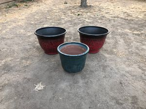 2 plastic Flower pots and one glass pot for Sale in Dinuba, CA