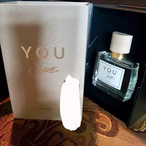King of R&B , Jacquees unisex fragrance for Sale in Lemoore, CA