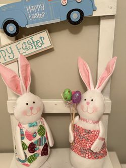 Easter bunnies W/Ladder for Sale in Cape Coral,  FL