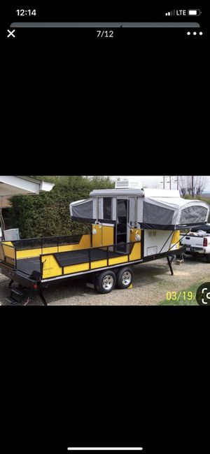 Very clean Fleetwood RV trailer Toy Hauler with extended deck for Sale in Chandler, AZ