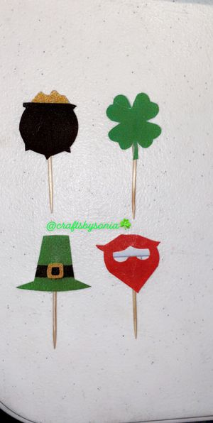 Cupcake toppers for Sale in Cicero, IL