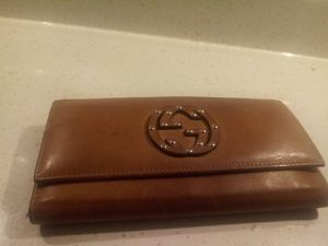 Gucci wallet for Sale in Hemet, CA