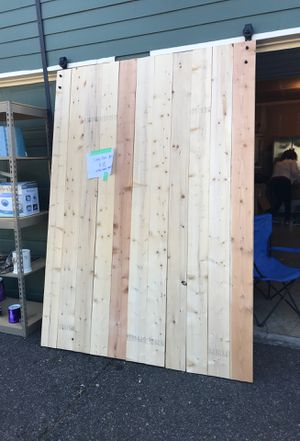 9'x5' barn door with wall mount for Sale in Oregon City, OR