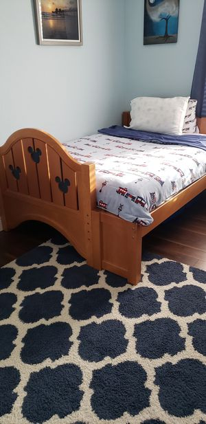 Bunk Bed Twin Over Full in Very Good Condition for Sale in Pembroke Pines, FL