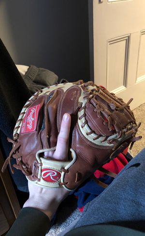 Rawlings Gold Glove catchers mitt (Negotiable) for Sale in Whitman, MA