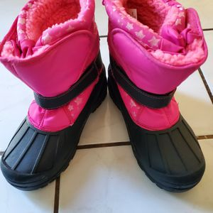 Girl's Snow Boots Size 5 Like New for Sale in Simi Valley, CA