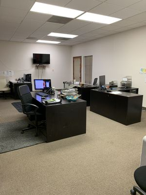 Office desk and computers for sell for Sale in Fullerton, CA