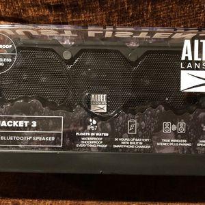 Life Jacket 3 Speaker for Sale in Las Vegas, NV