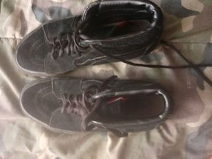 Shoes vans off the wall size 7.5 for Sale in Blacksburg, VA