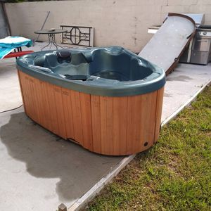 Hot tub Jacuzzi for Sale in Orlando, FL