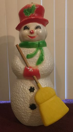 """22"""" tall lighted snowman with broom blow mold for Sale in Orlando, FL"""