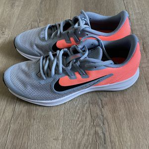 Women's Nike Running Shoes Size: 7 Brand New ! MAKE AN OFFER !!! for Sale in Carmichael, CA