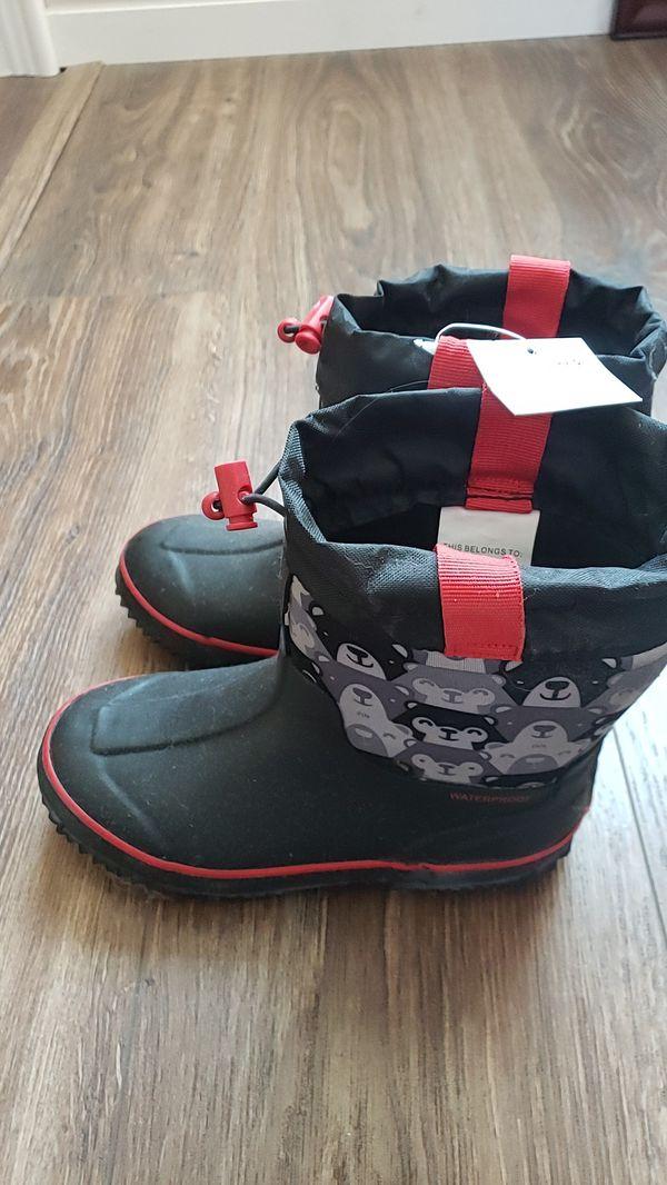 Rain boots kids size 11/12