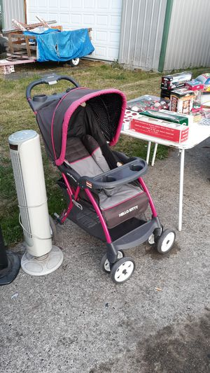 Hello kitty stroller for Sale in Tacoma, WA