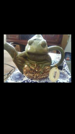 Frog tea pot for Sale in Silver Spring,  MD