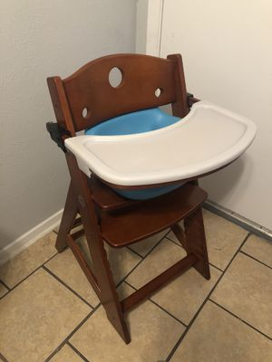 Keekaroo wooden feeding high chair baby kids booster seat adjustable height footrest tray & new straps for Sale in Arlington, TX