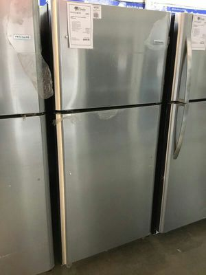 NEW Frigidaire Stainless Steel 20.4 CuFt Top Mount Refrigerator!! for Sale in Gilbert, AZ