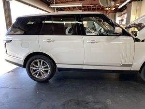 Range Rover rims and tires for Sale in Riverbank, CA