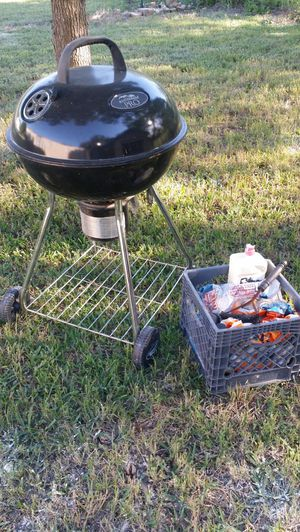 BBQ Grill and accessories for Sale in Granbury, TX