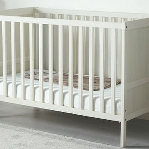 Baby Crib for Sale in Queens, NY