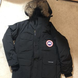 Canada Goose Expedition Mens Jacket Size Large for Sale in Burkeville, VA