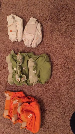 G diapers small and newborn size for Sale in Gainesville, VA