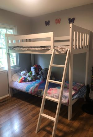 White Bunk beds twin size for Sale in MONTGOMRY VLG, MD