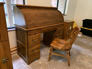 Oak Roll Top & Computer Desk for Sale in Port Orchard, WA