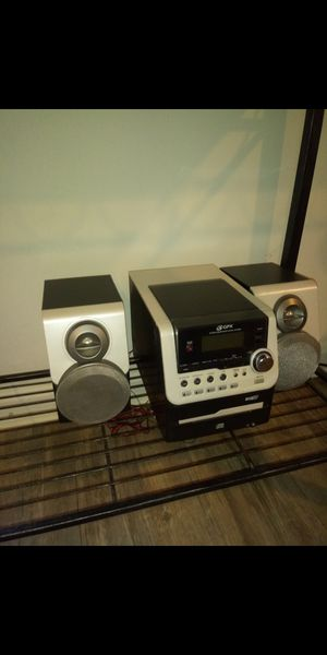 FREE 6 CD Changing Radio With AUX Hookup for Sale in Washington, DC
