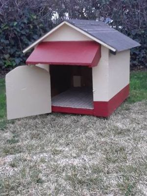 Sturdy Dog House for Sale in San Bernardino, CA